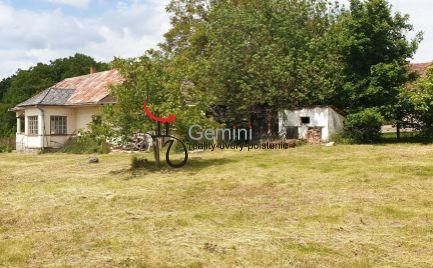 GEMINIBROKER Vám ponúka dom s veľkým pozemkom a nádherným výhľadom v obci Vilyvitány (Maďarsko)