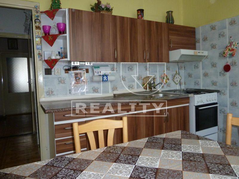 4-izbový byt-Predaj-Topoľčany-77000.00 €