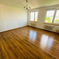 2 izbový byt, Hlohovec, 50 m², Kompletná rekonštrukcia