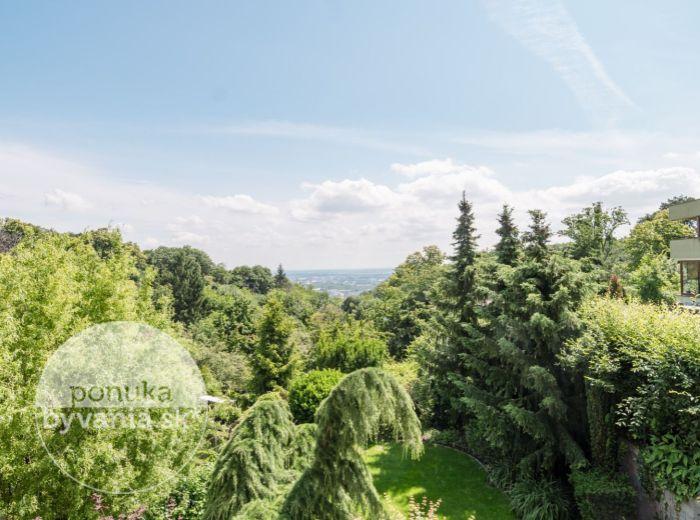 REZERVOVANÉ - BRUSNICOVÁ, 7-i dom, 356 m2 - POZEMOK 479 m2, novostavba, EXKLUZÍVNY POKOJ, výhľad na Bratislavu