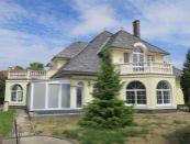 PREDAJ nadštandardného 8 izbového RD s bazénom a saunou, 2 byty, Ivanka pri Dunaji - CORALI Real