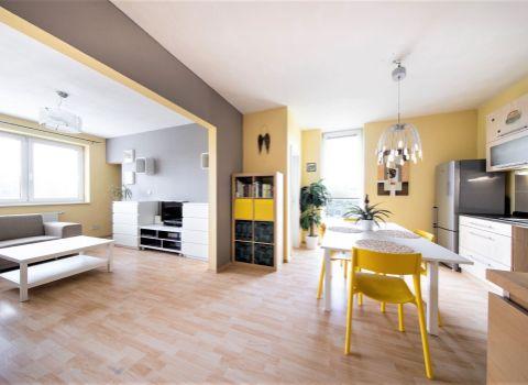 PREDANÝ- Na predaj priestranný 2 izbový byt s 3D PREHLIADKOU v projekte Mondrian na Sedmokráskovej ulici