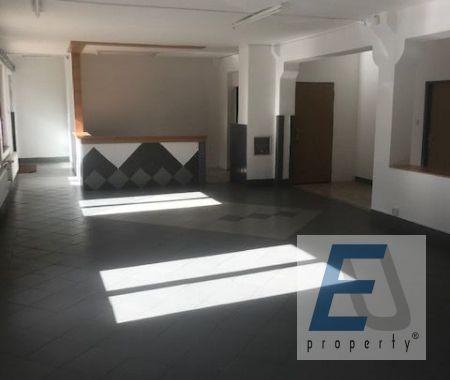 Obchodno-kancelársky priestor, s parkovaním, skladom, pri centrum Poprad