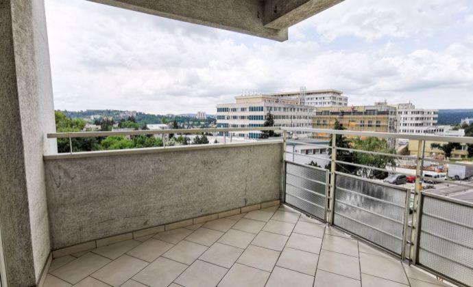 Priestranný 3 izbový byt s terasou na Stromovej ul., BAIII- Kramáre