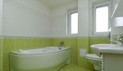 Predaj 3 izbového bytu, Rohovce - 9 km od Šamorína, kompletná rekonštrukcia