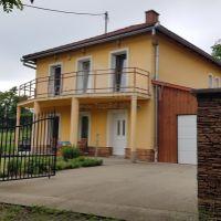 Rodinný dom, Slovenské Ďarmoty, 1373 m², Kompletná rekonštrukcia
