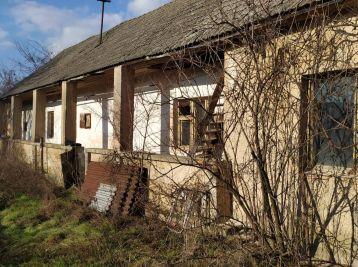 Dom s pozemkom 2288m2 v obci Veľké Držkovce