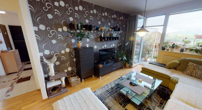 Znížená cena!-Komplet prerobený 3 izb. byt s krásnym výhľadom - 71 m2 -  Trenčín/JUH