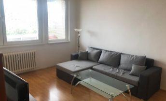 Ponúkame Vám na prenájom 1 izbový byt Bratislava-Rača,  Kafendova.   Cena 460 €/mesiac.