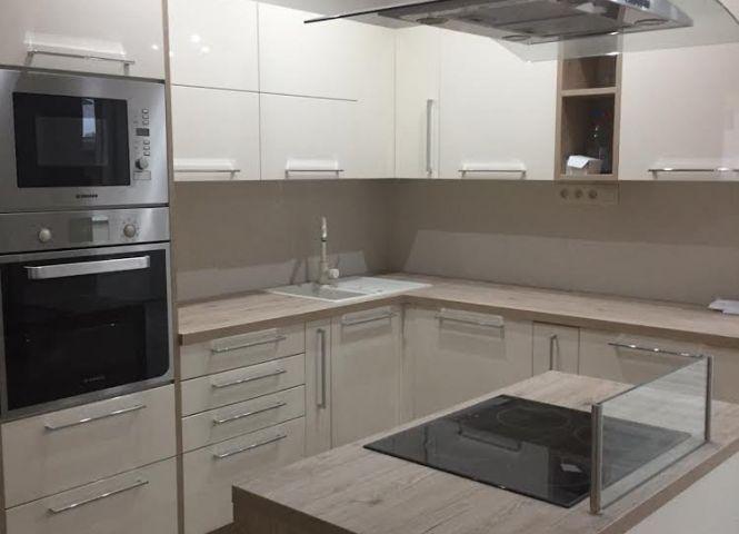 4 izbový byt - Nové Zámky - Fotografia 1
