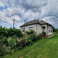 Rodinný dom, Úbrež, 1350 m², Pôvodný stav