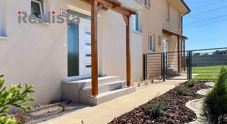 4 izbový mezonet(1) v radovom 3-dome s garážou a záhradou - Dunajská Lužná