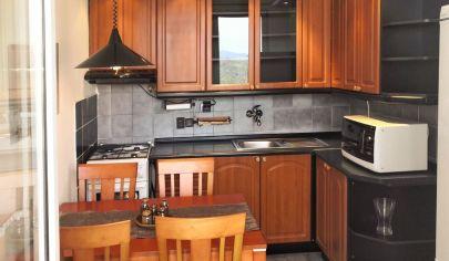 REZERVOVANÉ (predaj): Útulný 3-izbový byt na Kuklovskej pri lese