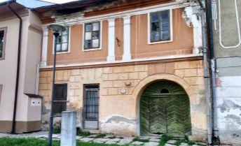 Viac-izbový rodinný dom vhodný aj na podnikanie v obci Hniezdne
