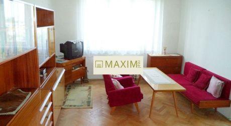 3- izbový byt na Račianskej ulici,  vhodný na kompletnú rekonštrukciu