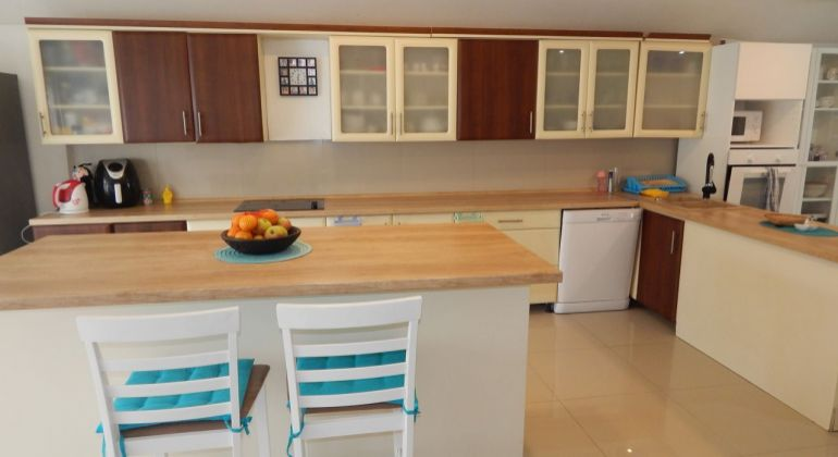 Exkluzívne- Na Predaj 5-izbový veľkometrážny byt, 233,68 m2, Handlová, Centrum