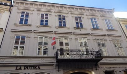 Veľkometrážny byt 220 m2 v úpnom srdci historického centra, ul. Panská - pešia zóna