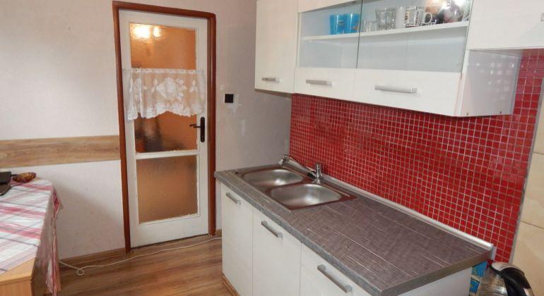Na Predaj 2,5-izbový byt, 67 m2, Handlová, okres Prievidza