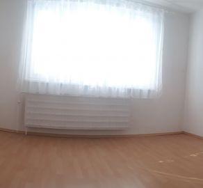 StarBrokers- PREDAJ: Slnečný 3-izb.byt pri dostihovej dráhe, Osuského ul.