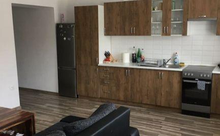 Na predaj veľký 3-izbový byt na Dolnej Mičinej
