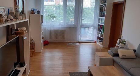 Len u nás – predaj príjemného 3 izb. bytu Na Lipského ul. v Dúbravke