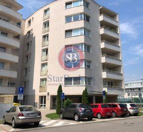 StarBrokers- PRENÁJOM: Kancelársky priestor 49 m2 s balkónom pri hoteli Holiday Inn, Pažítková ul.