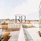 Na predaj exkluzívny slnečný 4-izbový byt s 2 parkovacími garážovými státiami v Starom Meste, BAI