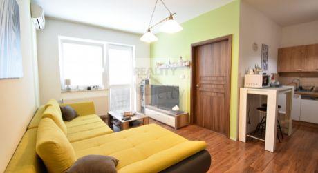TOP PONUKA  2 - izbový elegantný byt  52 m2 s balónom a garážou - Rajka