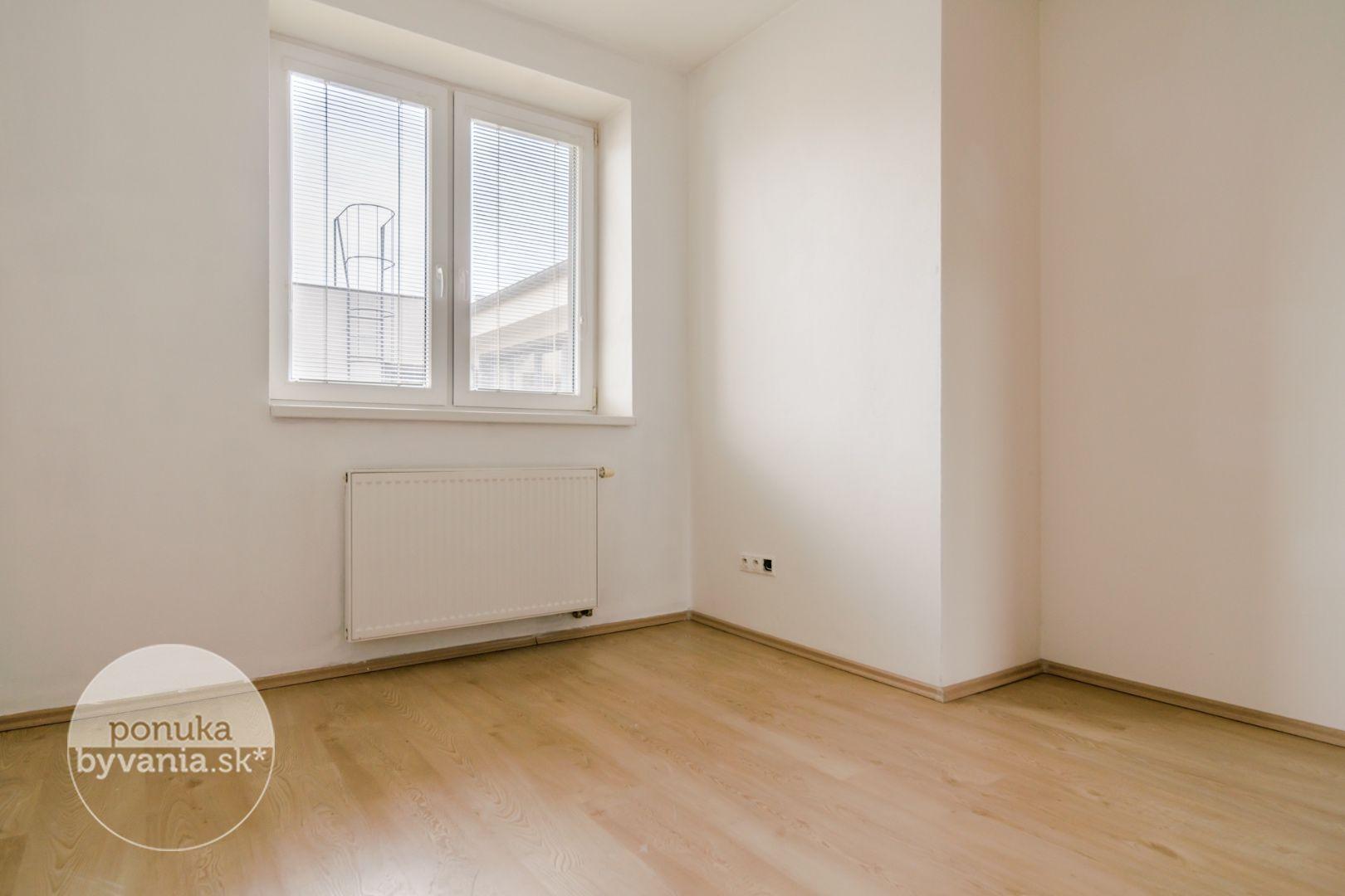 ponukabyvania.sk_Holubyho_3-izbový-byt_BARTA