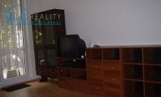 Na predaj zariadený 1 izbový byt Bratislava-Karlova Ves, Silvánska