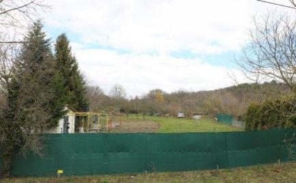 PREDAJ 2x stavebný pozemok Lamač, Zelenohorská EXPISREAL