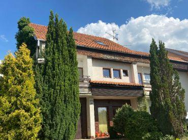 EXKLUZÍVNE IBA U NÁS:ZNÍŽENÁ CENA 245000€,Predaj rodinného domu na Dedovci v Považskej Bystrici