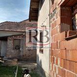 Na predaj  2 Rodinné domy s veľkým pozemkom v obci Veľký Biel