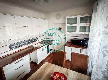 Na predaj 3 Izbový byt na sídlisku Juh s loggiou a pivnicou
