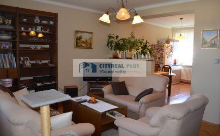 Exkluzívny predaj poschodového rodinného domu v Dvoroch n. Žitavou
