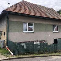 Rodinný dom, Hiadeľ, 250 m², Čiastočná rekonštrukcia