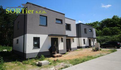 SORTier s.r.o. Vám ponúka na predaj novostavbu 4 izbového rodinného domu v kludnej časti Vampíl.