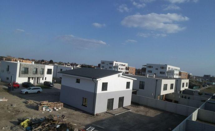 Novostavba 4 izbový rodinný dom s pozemkom 222 m2, Miloslavov