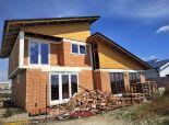 PREDANÉ -  ROVINKA - NA PREDAJ 4 izbový rodinný dom v tichej lokalite v Rovinke