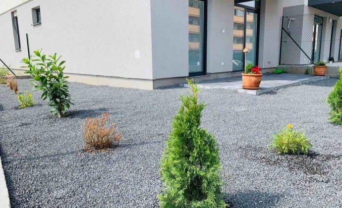 PREDAJ - 2 izbový byt v novostavbe s priestrannou záhradkou
