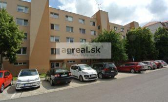 REZERVOVANÉ!!! Predaj, slnečný 2-izb. byt (47,4 m2- JZ) v pôvodnom stave v pokojnom prostredí, ul. Bodrocká, BA II- Podunajské Biskupice