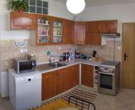 VÝHODNÁ PONUKA!!! DIAMOND HOME s.r.o. ponúka Vám na predaj krásny zrekonštruovaný 3 izbový byt s loggiou v obci Zlaté Klasy-Rastice!