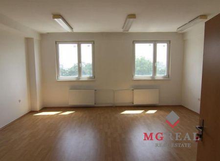Lacné kancelárie, aj malé výmery, 15 a 30m2, Galvaniho, Bratislava-Ružinov, parkovanie