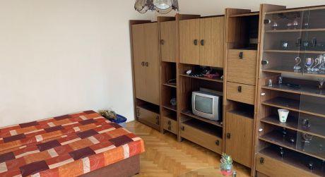 Na predaj veľký 1-izbový byt na ul. Cyrilometódska Nových Zámkoch