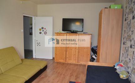 Predáme veľký 2 izbový byt prerobený na 3 izbový CM  NZ