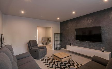 REZERVOVANÝ! Exkluzívny byt pre náročných po kompletnej rekonštrukcii v Petržalke