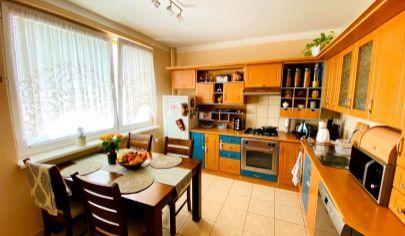 Exkluzívne iba v APEX reality 3i. byt s balkónom po kompletnej rekonštrukcii na Vinohradskej ul., 72 m2