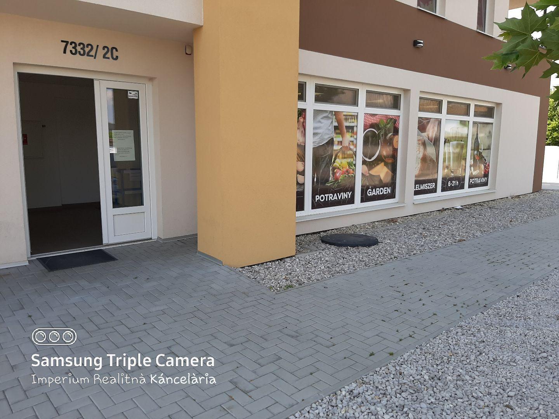 Obchodný objekt-Predaj-Dunajská Streda-32000.00 €
