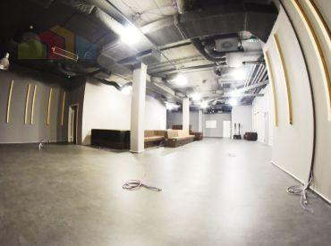 Obchodné priestory na prenájom, 273 m², Dunajská ul. Staré Mesto