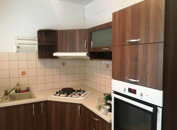 VAJANSKÉHO -  3-i byt 71 m2 čiastočná REKONŠTRUKCIA
